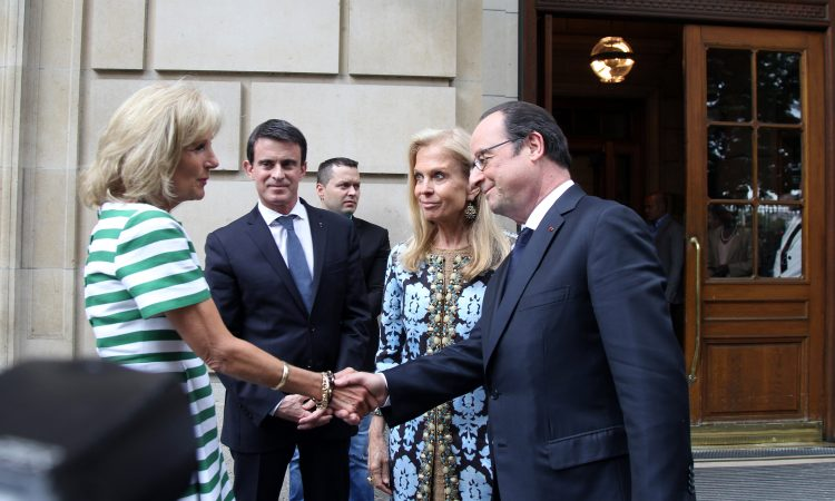 Dr Jill Biden, Prime Minister Valls, U.S. Ambassador to France Jane D. Hartley and President Hollande (Photo U.S. Embassy)